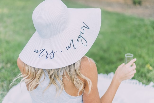 Honeymoon essential – Floppy Hat