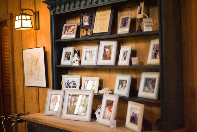 framed photos of bride and groom's family