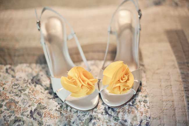 easy DIY wedding project - bride's shoes with hand-made flowers