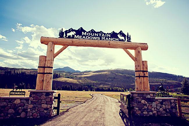 Log sign for Mountain Meadows Ranch in Colorado