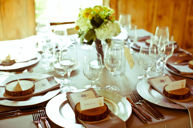 place card wood rounds on table setting