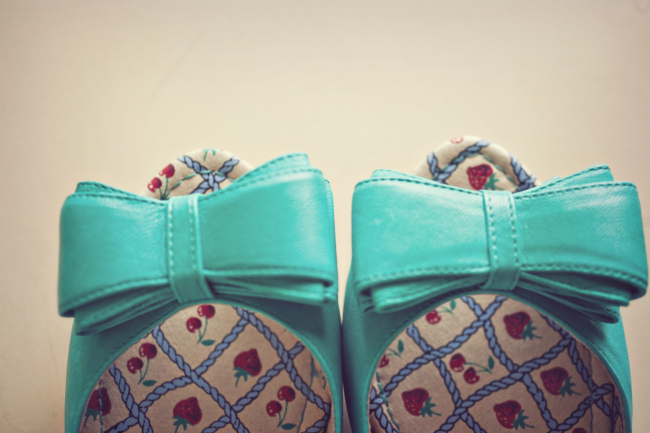 turquoise flats with bow and strawberry design