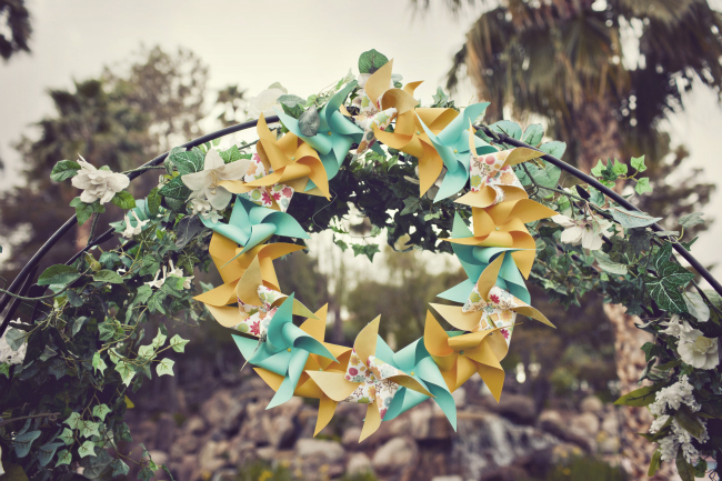 Turqouise and mustard yellow pinwheel wreath