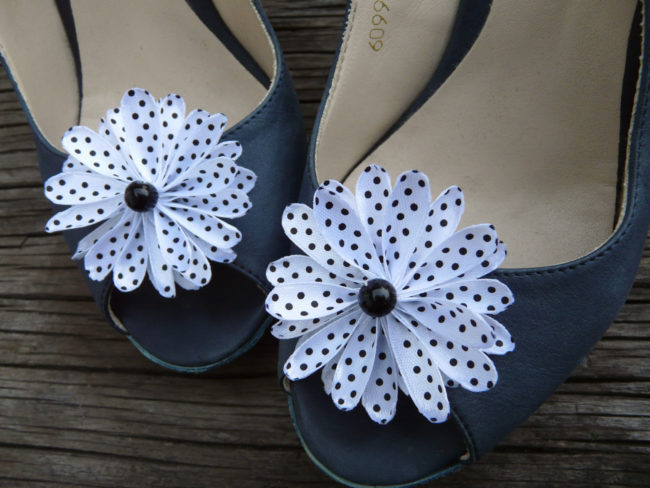 black-and-white polka dot shoe clips