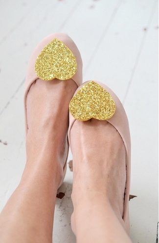 gold gitter heart shaped shoe clips