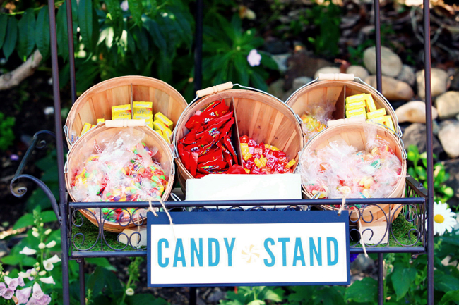 cnady in baskets at candy stand