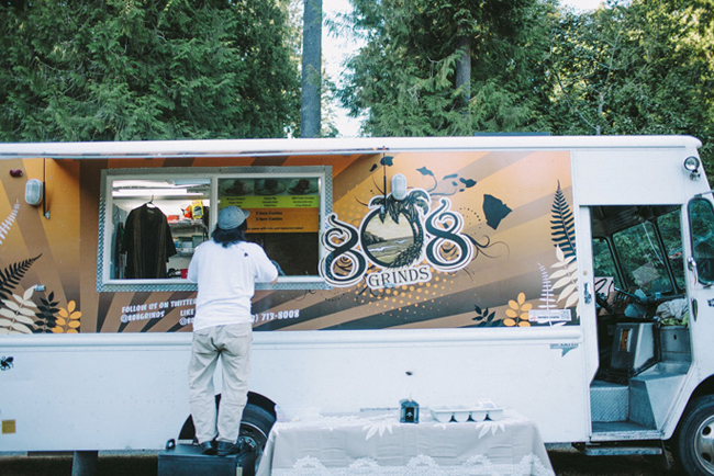 808 grinds food truck at Portland wedding