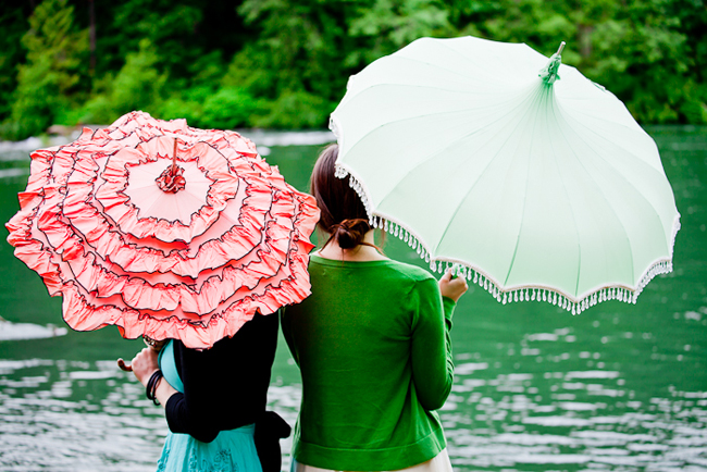 rented vintage umbrellas for lakeside wedding in Washington