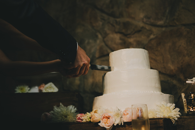 Rustic Chic wedding cake cutting