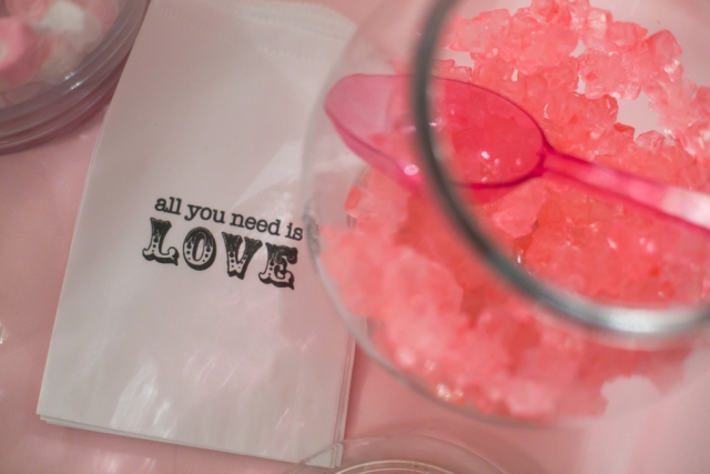 All you need is love napkin