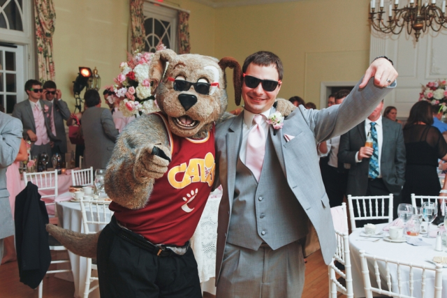 Groom and Moondog