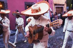 San Miguel Allende Vintage Chic Wedding by San Miguel Weddings in Casa Tortuga.