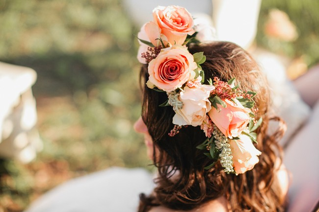 flower crown with peach color roses