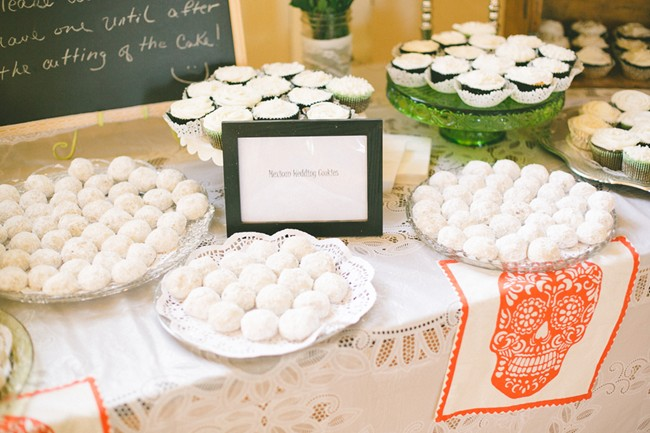 Mexican wedding cookie table