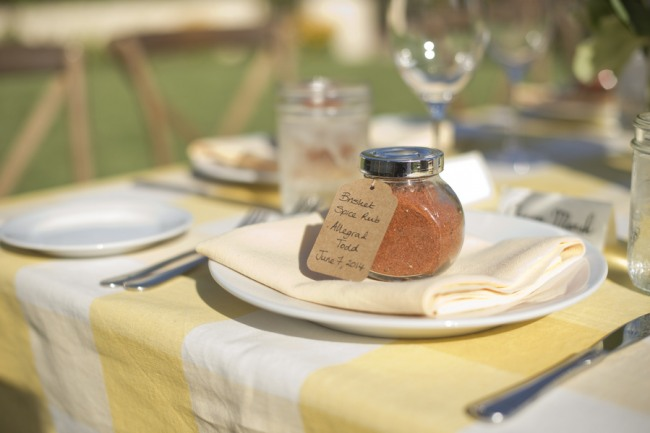 28 wedding reception wedding favors spice meat rub on yellow and white table cloth