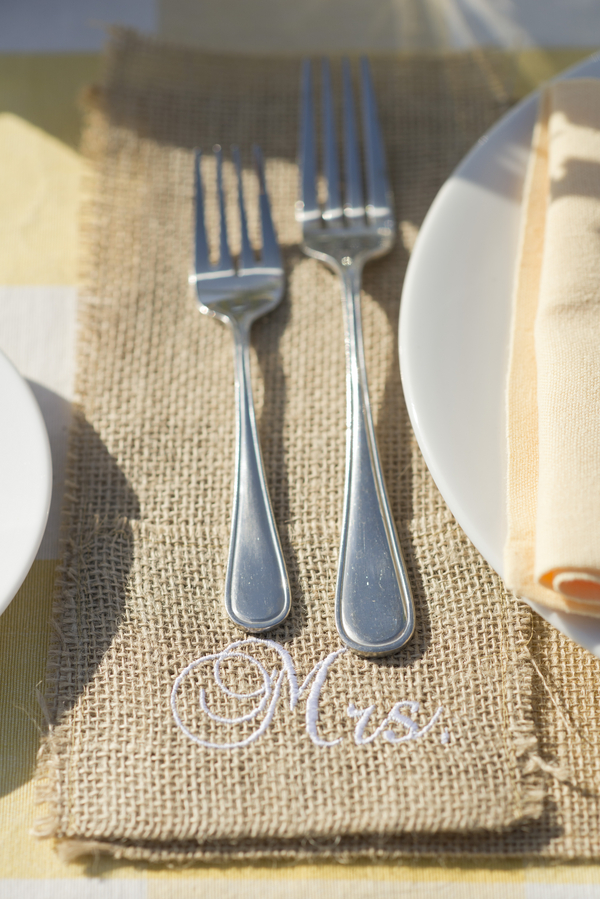 30 outdoor wedding reception with burlap place setting with Mrs stiched on it