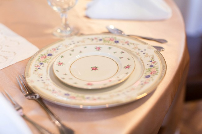 mis matched china for wedidng reception place setting4