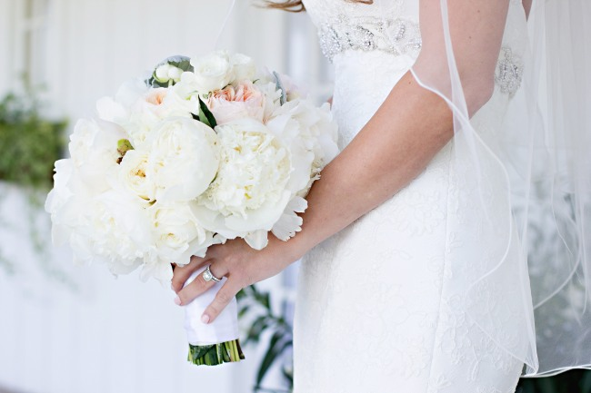 georgeous white bridal bouquet