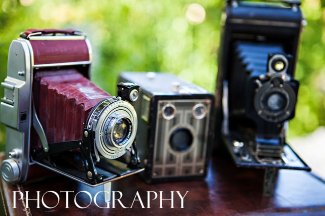 Old cameras - photo tips for your wedding day article