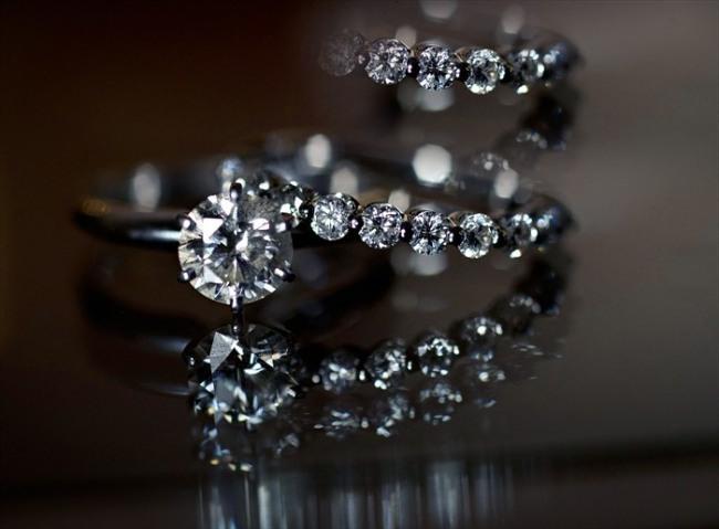 Round diamond engagement ring white gold with small diamond wedding band