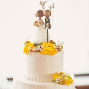 Wedding with splashes of yellow