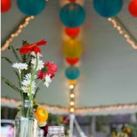 cheerful red and turquoise wedding