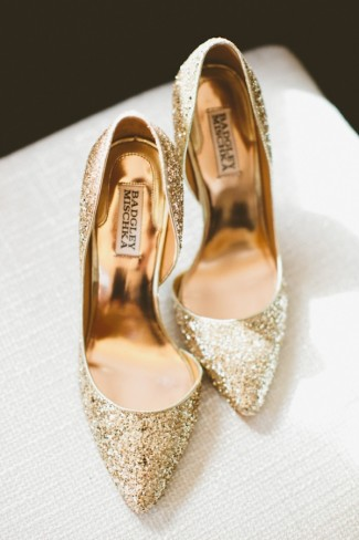 Badgley Mischka pointy gold sparkly shoes