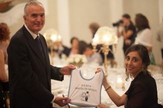 Personalized baby bibs for wedding guest