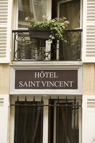 A sign of the hotel saint vincent in Paris France