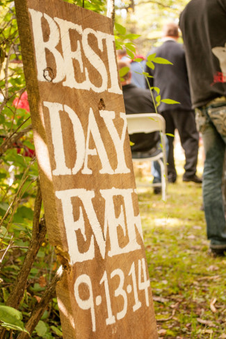 "Wooden signs for wedding ceremony ""Best day ever"""