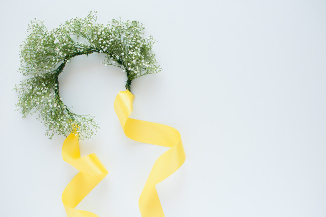 DIY Floral crown using baby's breath with yellow ribbon tie