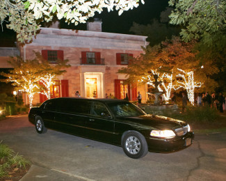 Wedding limo at Tate House Mansion