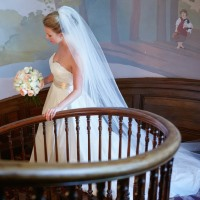 tate house wedding – bride on staircase