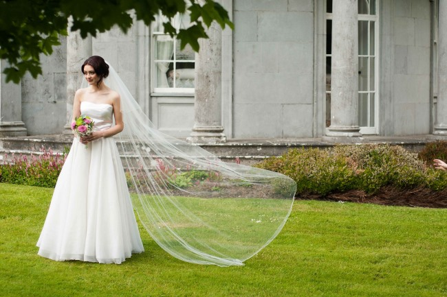 floor length veil in wind