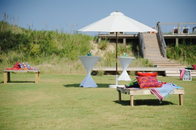 Outdoor cocktail hour at Sanderling Resort in open grass field