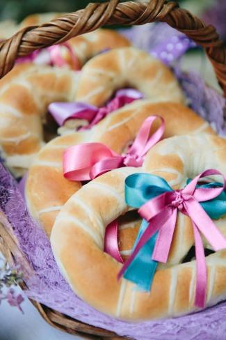 soft pretzels in basket