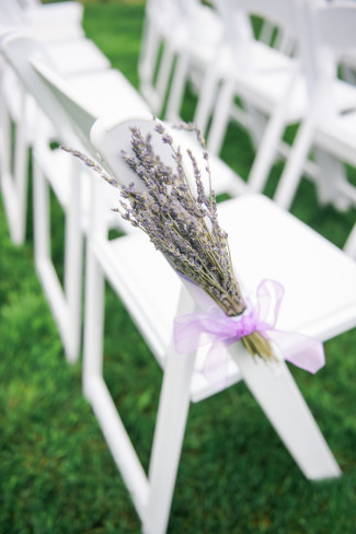 lavender bunch for wedding ceremony aisle decor