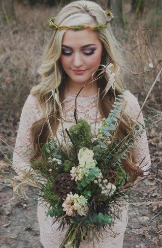 styled shoot bride with rustic bouquet