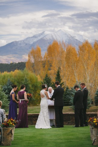 mountain and trees background for wedding in Colorado