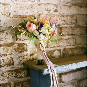 lace and likes wedding bouquet