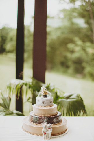 Space themed wedding cake created by Clementine, Cristin Dadant