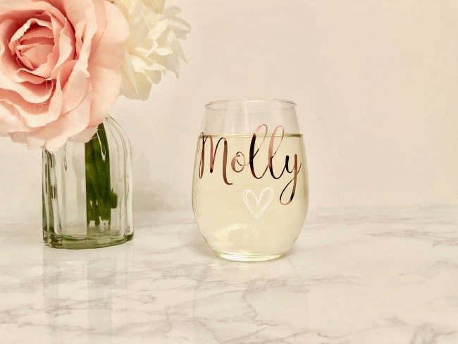 Custom wine glass for bridesmaids gift