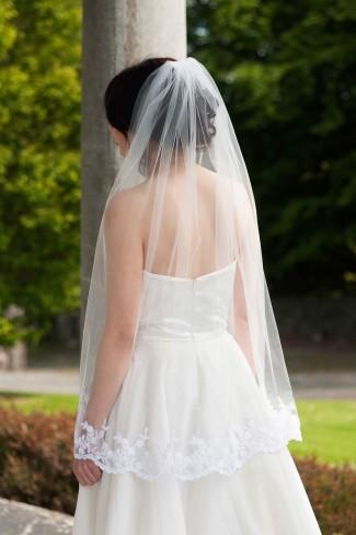 elbow length veil example