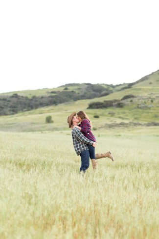 Engagement session in an open field