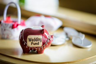 Credits Shutterstock, Wedding piggy bank by Karen Grigoryan -117199162