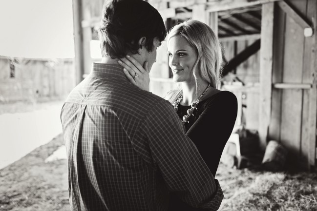 Barn engagement shoot captured by  blue elephant photography