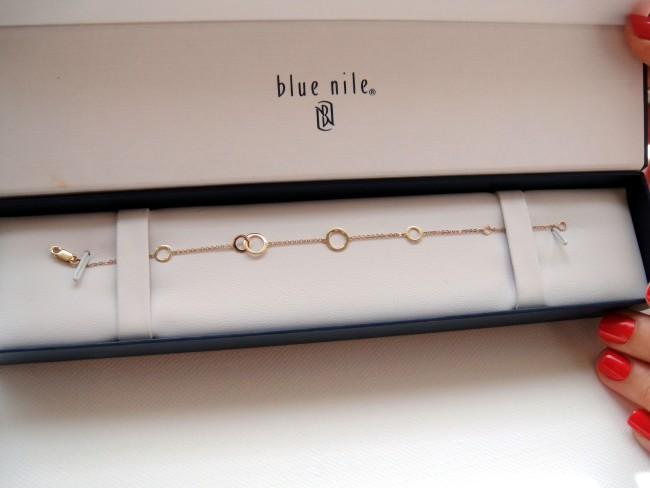 Blue Nile Circle bracelet in box