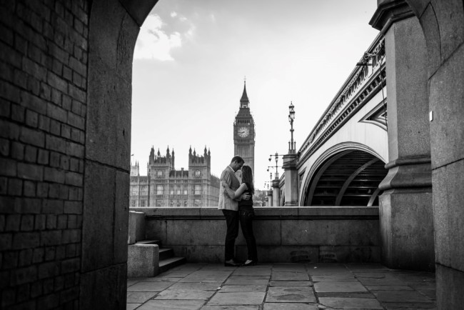 Engagement shoot in London in front of Big Ben