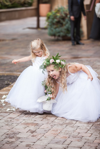 flower girls make funny face