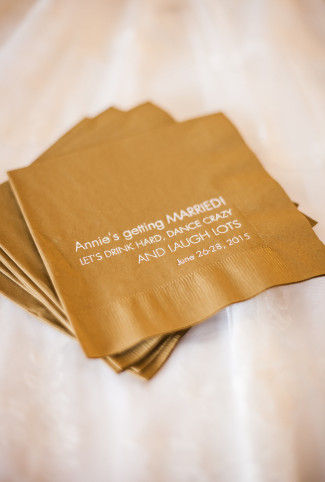 custom gold napkin with wedding date